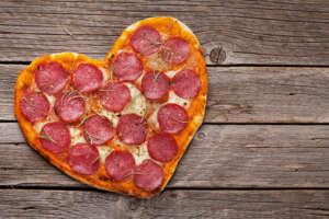 Recetas sencillas para enamorar en San Valentín recetas pizza corazon 600px 300x200 |  FAGOR SDA Electrodomésticos Pequeños