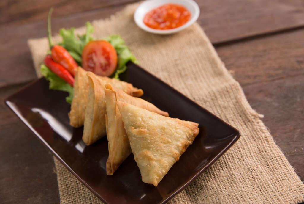 Receta Narturfry: Samosas de queso feta y tomates secos