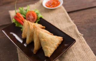 Receta de samosas de queso feta y tomate seco   Electrodomésticos Pequeños FAGOR SDA