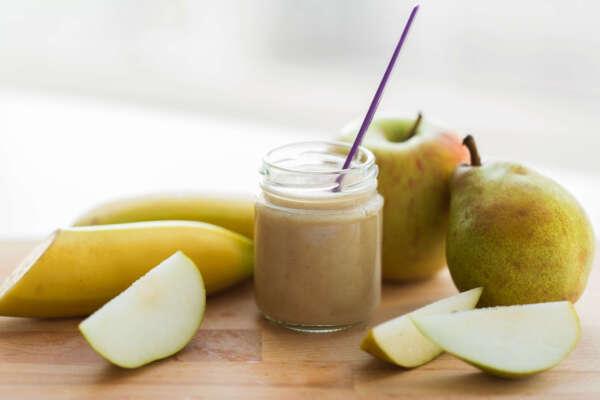 ¡Vuelta al cole! 5 snacks saludables para los más peques recetas jar with fruit puree or baby food PD4VSG7 scaled e1630323283329 |  FAGOR SDA Electrodomésticos Pequeños